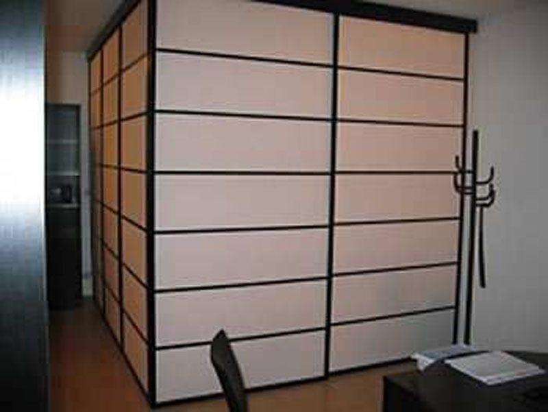 Portes Coulissantes Japonaise Shoji Modèle Onoda, Intérieur Verre Acrylique  Mat, Finition Wengé Foncé. Installation En Angle.